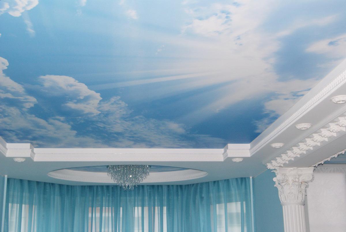 натяжные потолки фотопечать облака гладкие струи